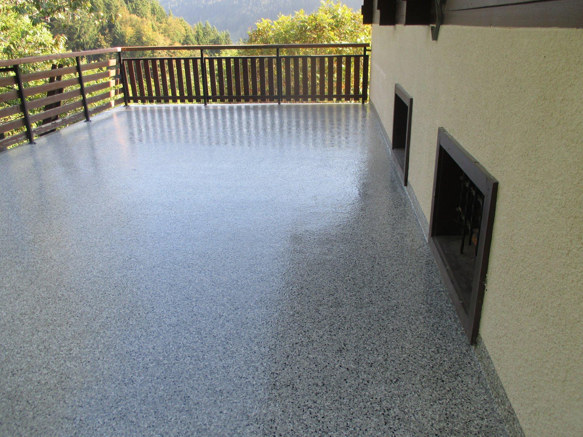 Rev tement de sol en r sine - Resine pour terrasse beton ...